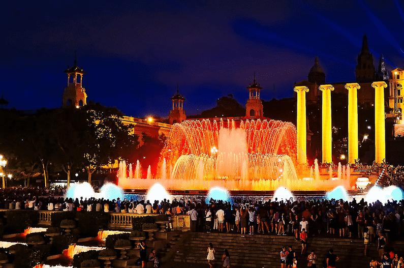fontaine-Montjuïc-soir-barcelone