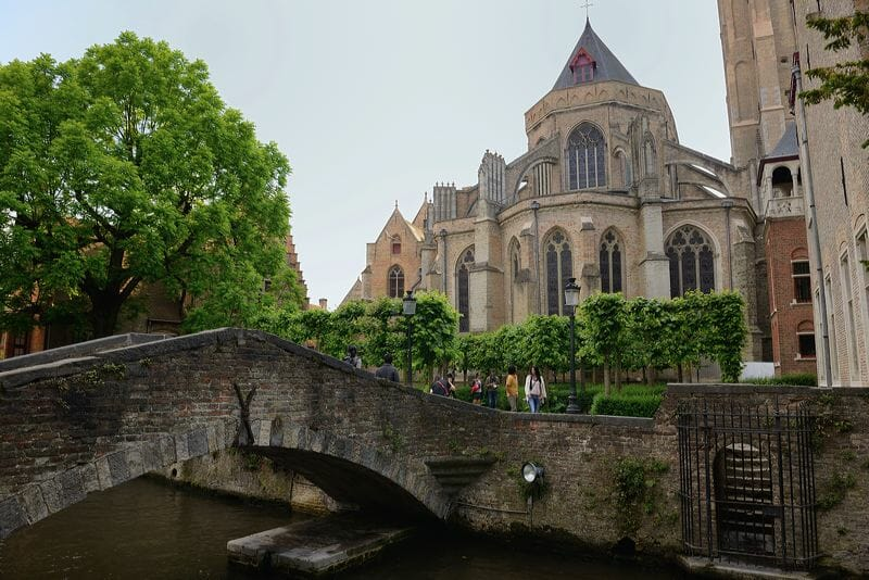que-faire-bruges-cathedrale-monument-visite