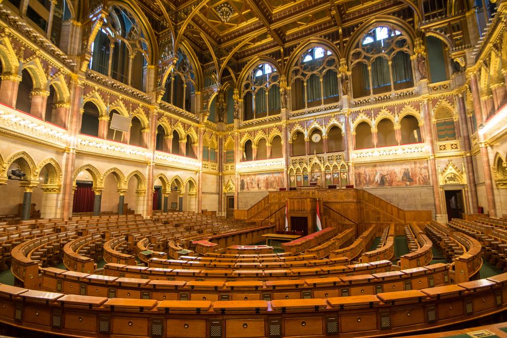 visite-parlement-budapest