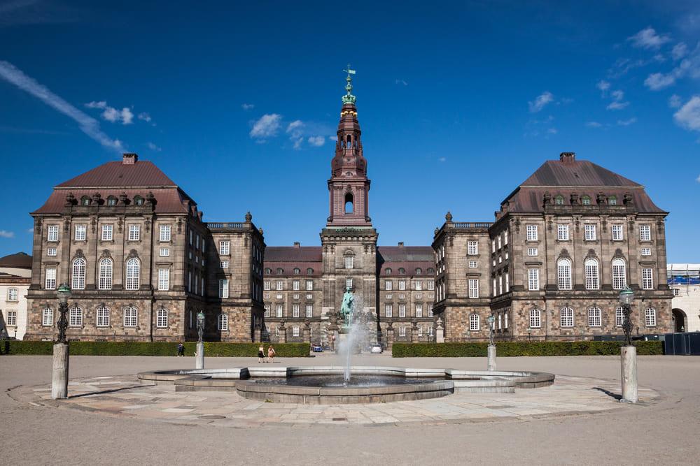 Christiansborg-visite-monument-copenhague