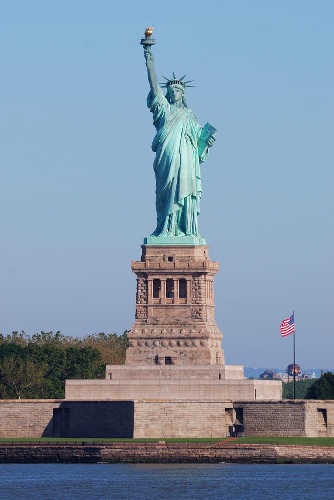 statue-liberte-faire-new-york