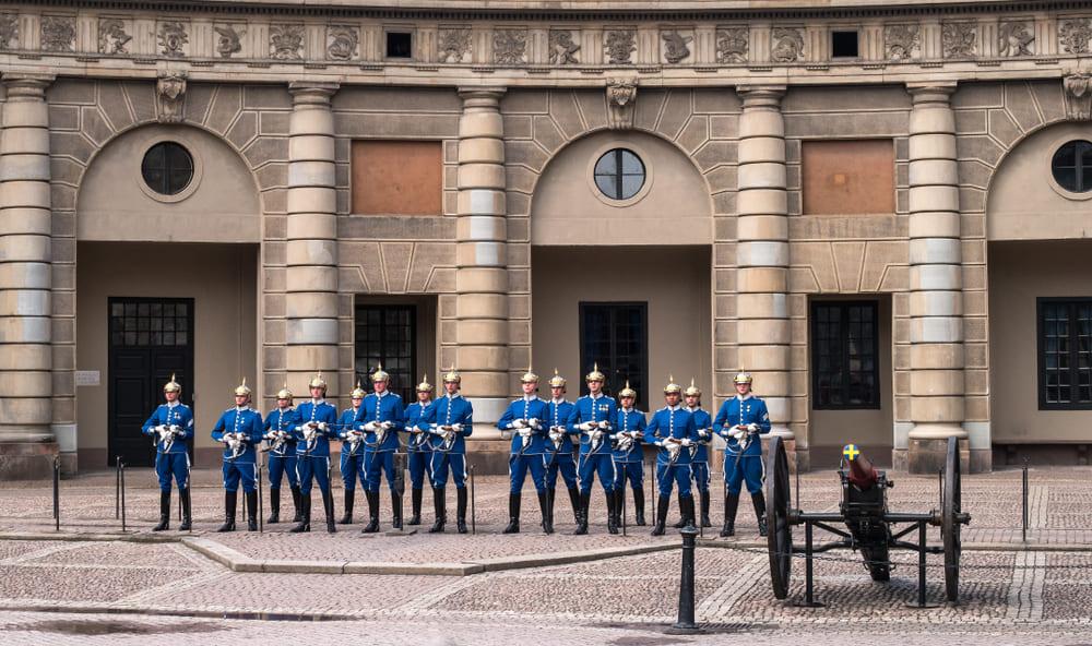 palais-royal-garde-stockholm