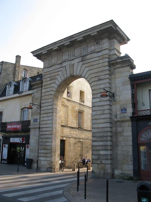Porte_de_la_monnaie_bordeaux-gratuit