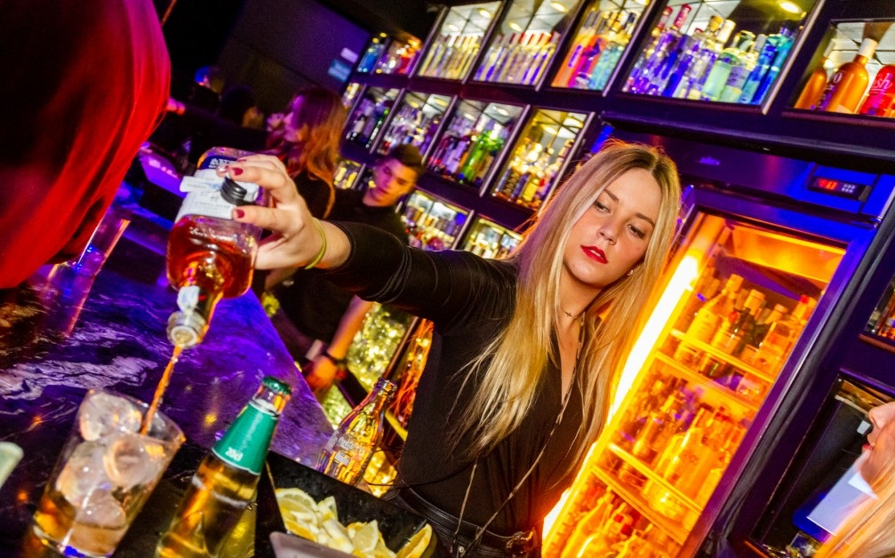 bar-club-branche-seville