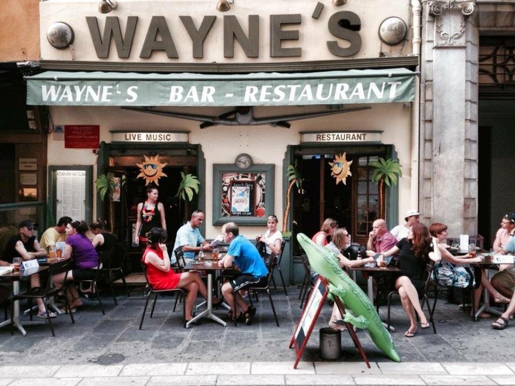 nice-sortie-soir-bar-waynes