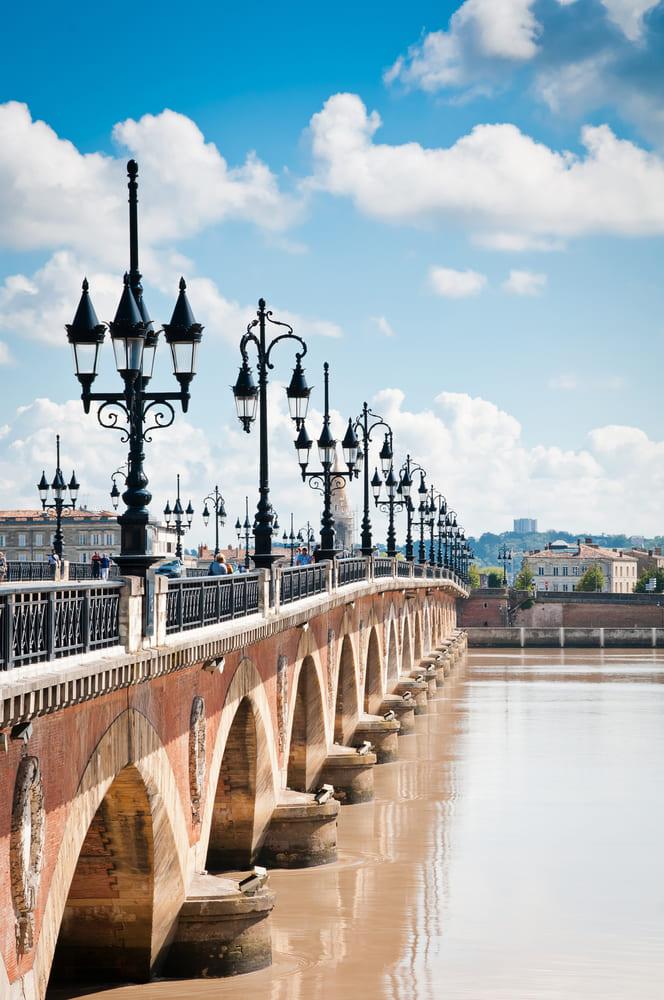 pont de la pierre-bordeaux-visite