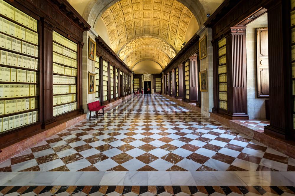 que-voir-seville-archives-indes (2)