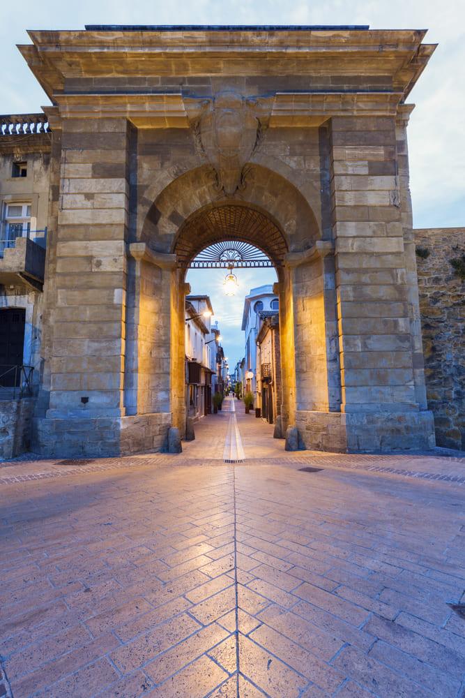 La Porte des Jacobins-carcassonne-visite
