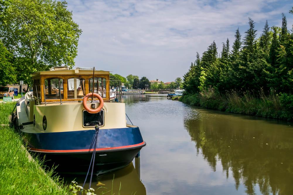 bateau-canal-midi-croisiere-carcassonne