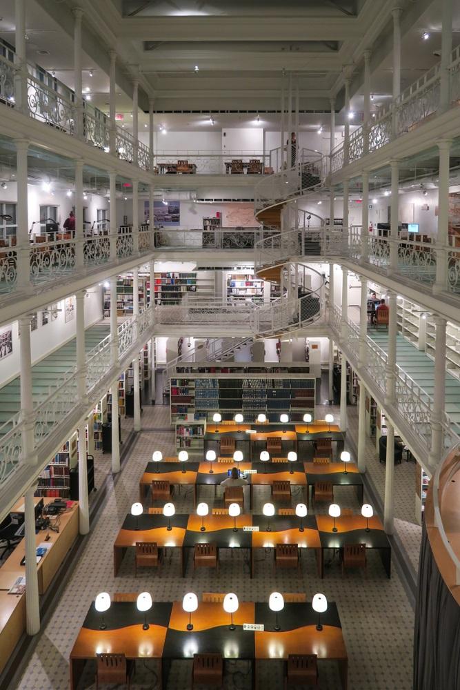 visite-montreal-gratuit-bibliotheque2