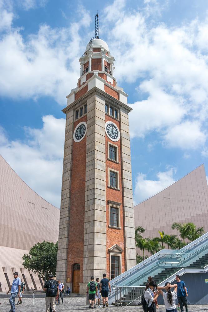 que-visiter-gratuitement-hong-kong-horloge