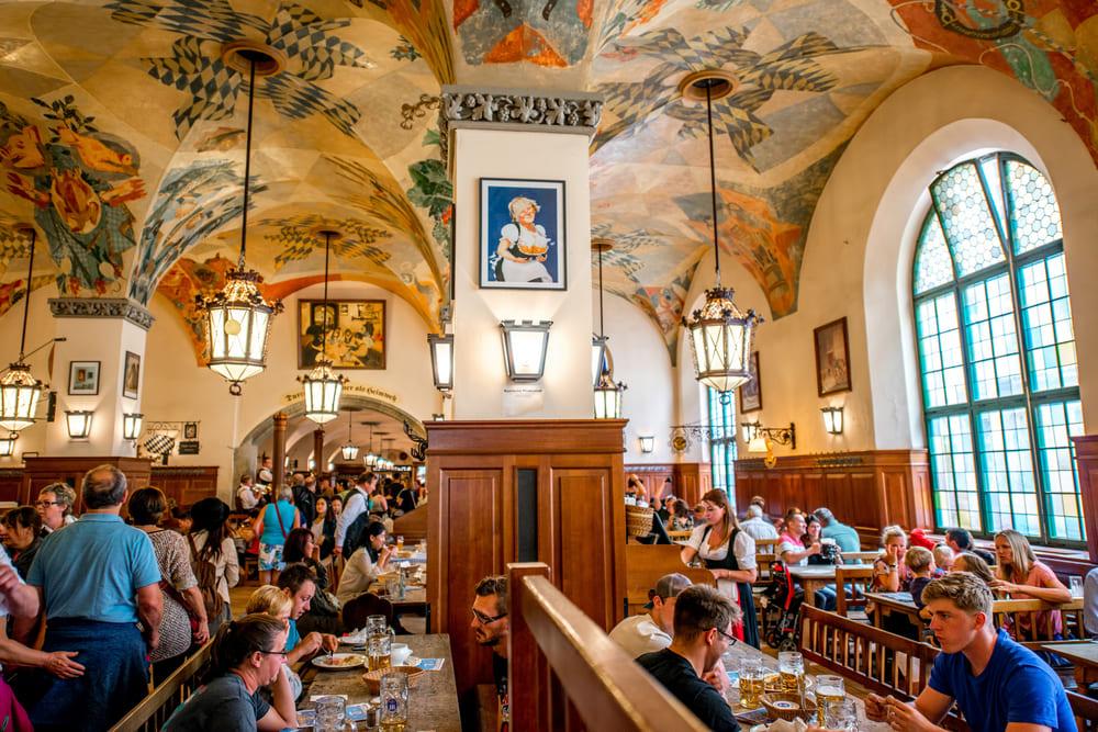 Hofbräuhaus-bar-biere-munich