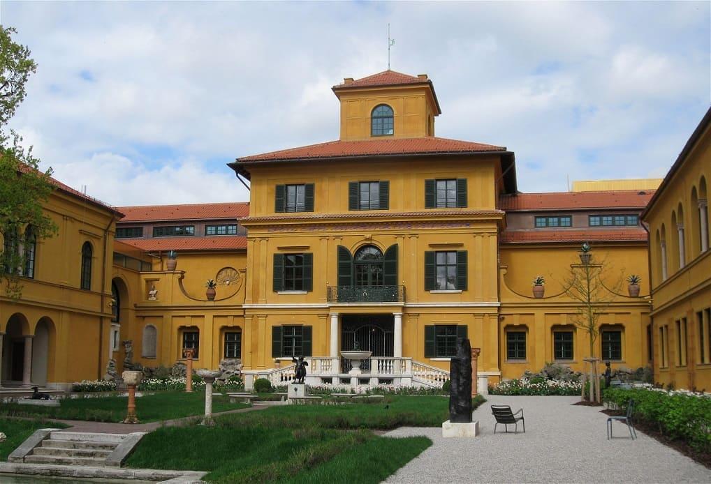 munich-villa-Lenbach